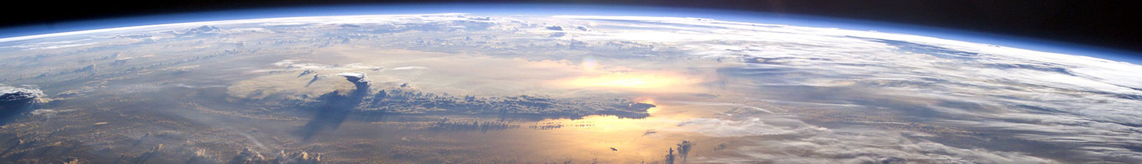 NASA-ISS07-sunrise-pacific-ocean-1600px