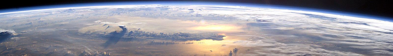 NASA-ISS07-sunrise-pacific-ocean-1600px